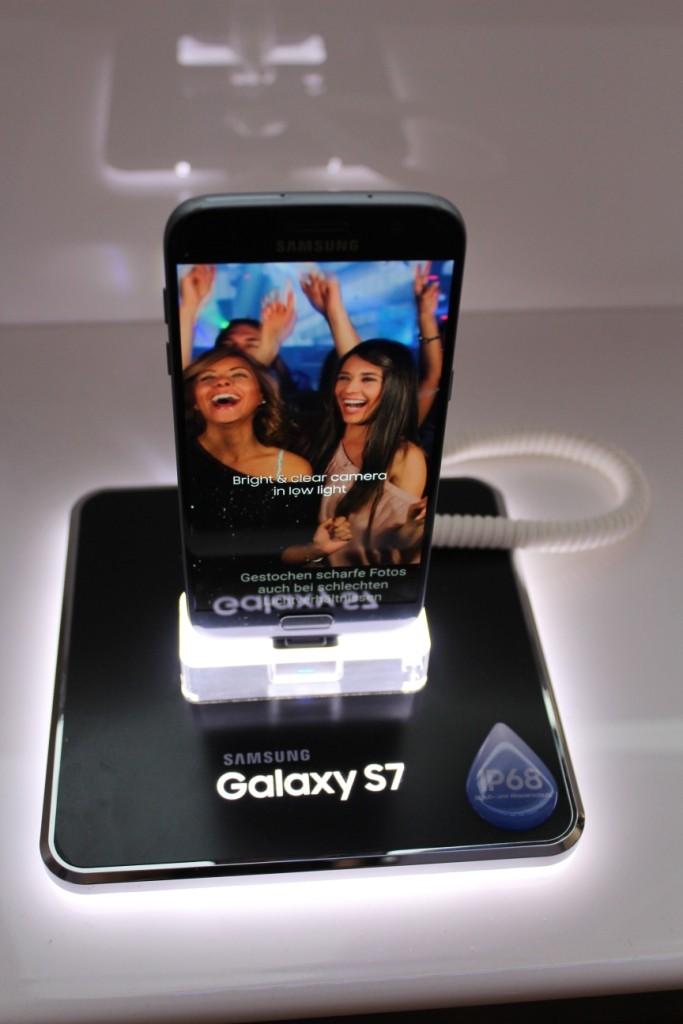 Das neuste Samsung Smartphone steht bereit.